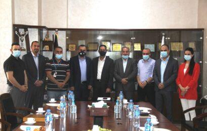 جامعة فلسطين الاهلية تكرم شركائها  في مشروع تحسين برنامج انظمة المعلومات الادارية