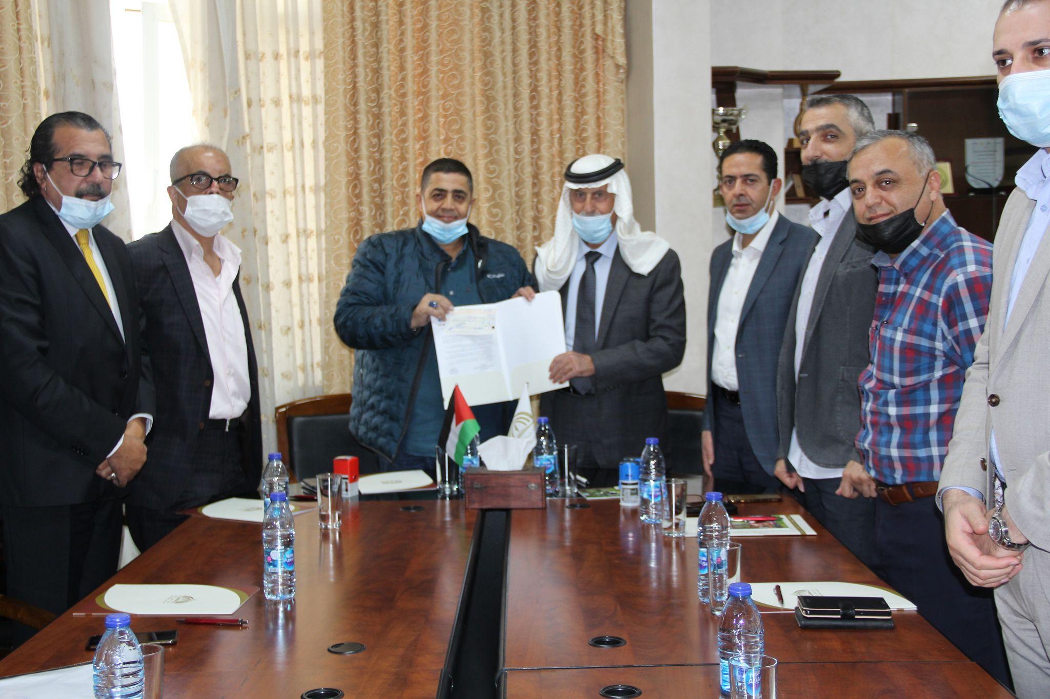 جامعة فلسطين الاهلية واللجنة القطرية الدائمة لدعم القدس توقعان اتفاقية لدعم الطلبة المقدسيين