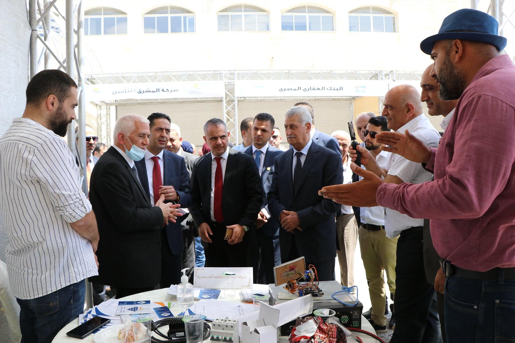 جامعة فلسطين الأهلية تطلق فعاليات يوم التوظيف 2021