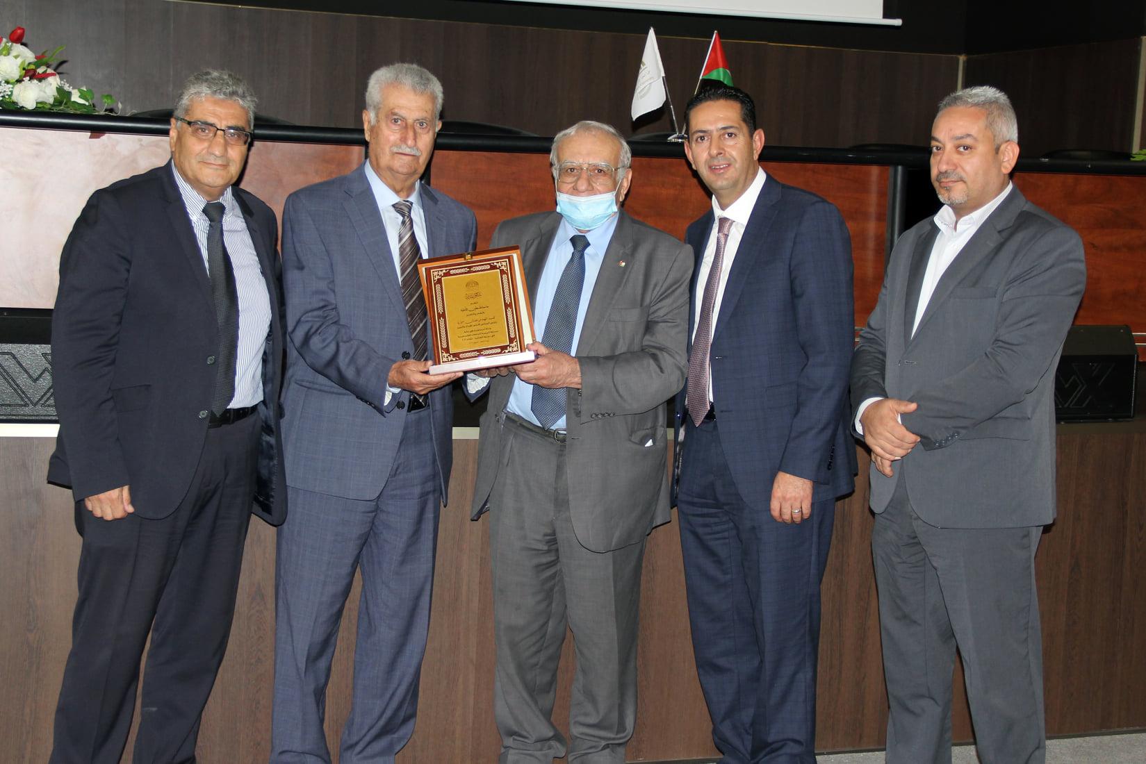 جامعة فلسطين الأهلية تستضيف مسابقة البرمجة الفلسطينية 2021